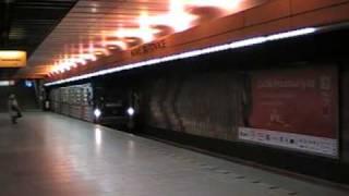 preview picture of video 'Sobotní výjezd metra 81-71 z obratiště Nové Butovice'