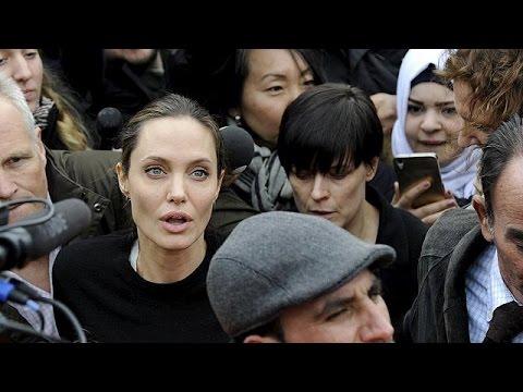 Ελλάδα: Η Αντζελίνα Τζολί στο πλευρό των προσφύγων