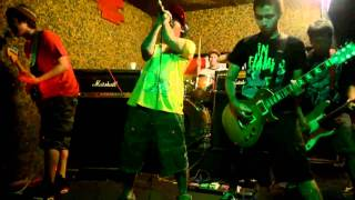 Glass is Broken - Chicosci (Live @ Sazi's Bar)