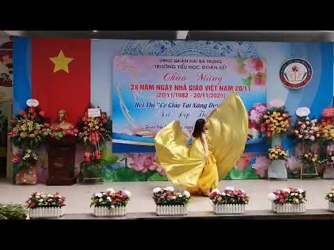 Tiết mục dự thi Cô giáo tài năng duyên dáng của cô giáo Vương Thúy Hà