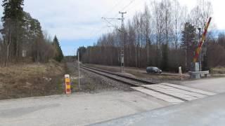 VR Ic passed SAUVAMÄKI (km. 0427+0052) level crossing @ Hankasalmi