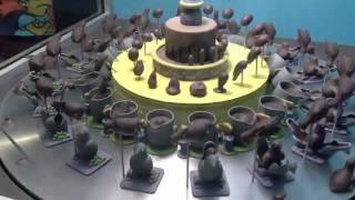 Смотреть онлайн Крутящийся торт создал великолепную иллюзию