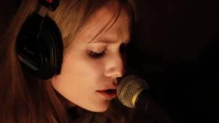 Oh Land - White Winter Hymnal (Fleet Foxes Cover) | Newtown Radio | Swan7 | ProAudioStar.com
