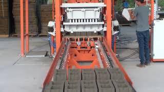 Вибропресс Стационарная блок машина SUMAB R-300 L (400-500 м2/смена, Швеция) от компании Строительное Оборудование - видео