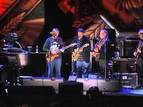 Willie Nelson, Neil Young & Phish - Moonlight in Vermont (Live at Farm Aid 1998)