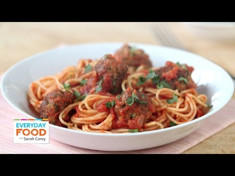 Sriracha-Marinara Sauce with Meatballs – Everyday Food with Sarah Carey