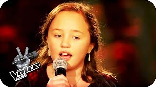 The Beatles - Blackbird (Zoé-Loes) | The Voice Kids 2017 | Sing Offs | SAT.1