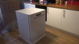 Samsung Dishwasher . Samsung DW60M6050FW . Review  Unboxing