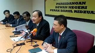 preview picture of video 'Artikel Fitnah Menerusi Blog Pro-UMNO terhadap YB Dato' Ngeh & YB Nga 2/2'