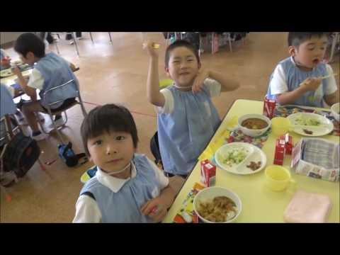 笠間 友部 ともべ幼稚園 子育て情報「カレーパーティー いただきます!」