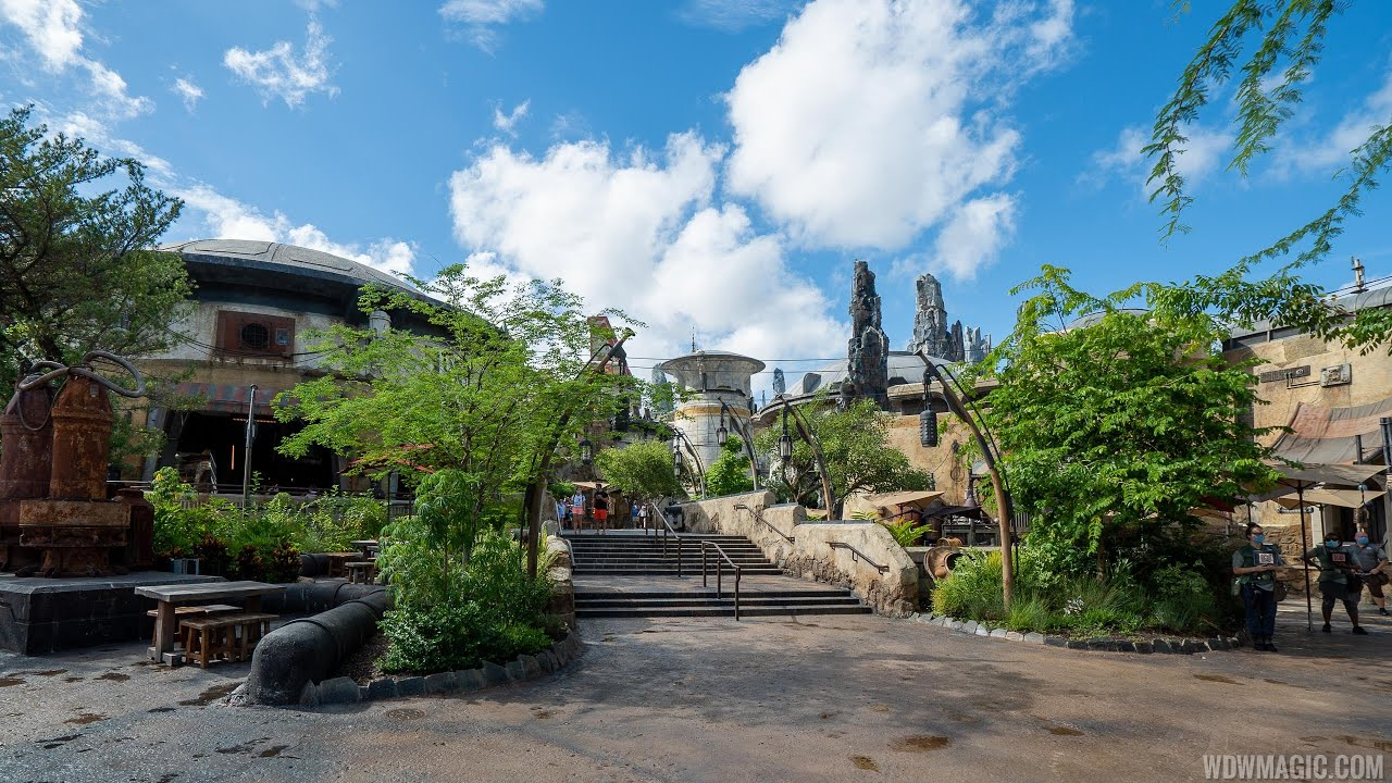 Walk-through of Star Wars: Galaxy's Edge at Disney's Hollywood Studios