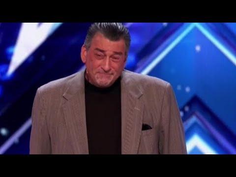 ROBERT DeNIRO Gets Booed off stage on America's Got Talent (видео)