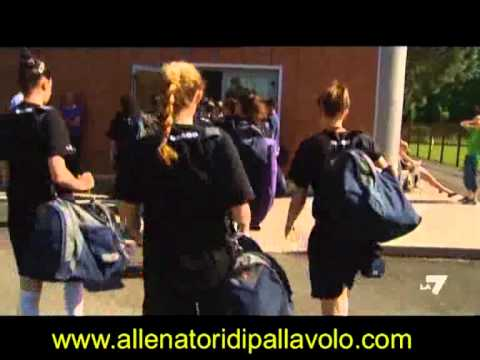 Preview video Pallavolo una passione che brucia dentro - Visto dagli occhi dei coach