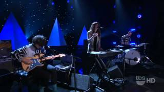 Beach House - 10 Mile Stereo - Conan 12/20/2010