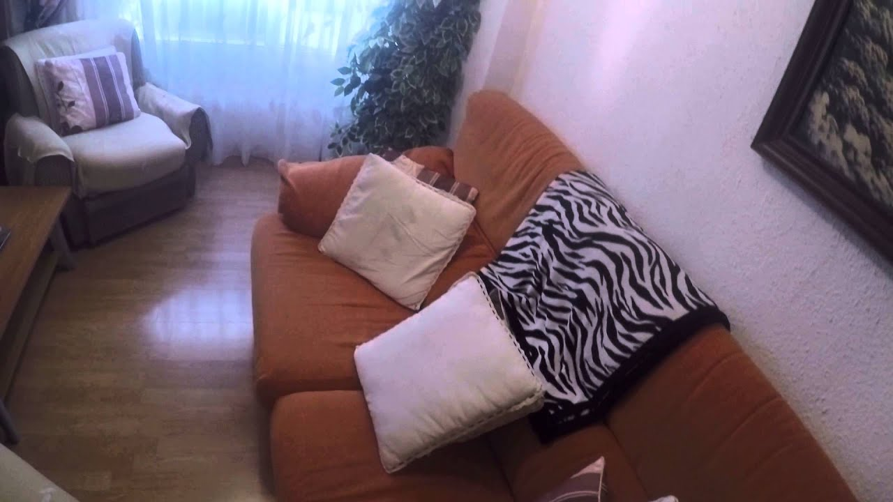 Room for rent to female student in a luxurious apartment in Quatre Carreres, all utilities included