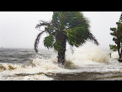 العرب اليوم - شاهد : إعصار
