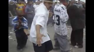 Cholos Bailando Playero