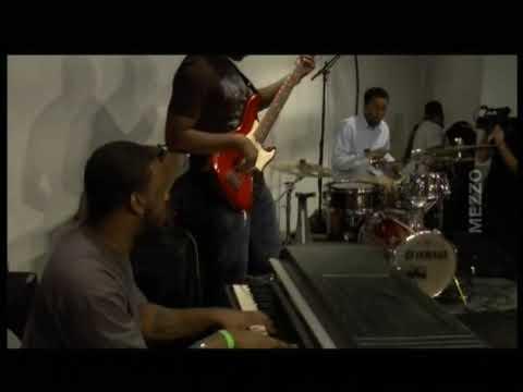 Robert Glasper, Derrick Hodge & Chris Dave Harlem 2008 online metal music video by ROBERT GLASPER