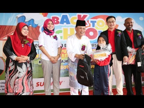 Kerajaan Johor seru lebih banyak pihak bantu anak sekolah miskin