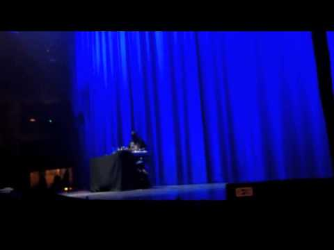 DJ NOISE P Warming Up @ Chris Brown Concert 05/12/2012 Belgium