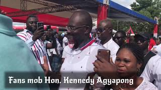 FANS BEG KENNEDY AGYAPONG TO TAKE SELFIE WITH HIM