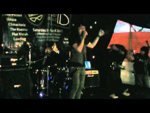 POST BLUE - depresi (live at We Care 2011).MPG