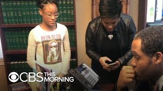 Joycelyn Savage, who lives with R. Kelly, calls her family for first time in years