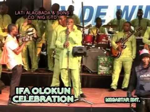 King Wasiu Ayinde performs
