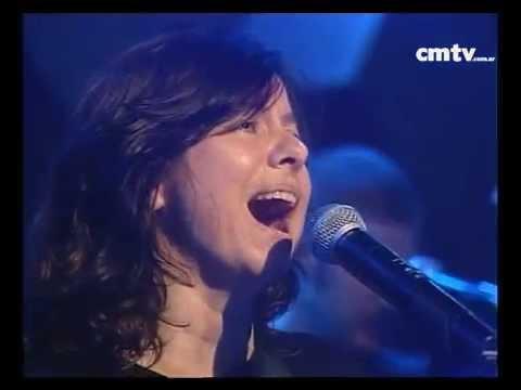 Celeste Carballo video Una canción diferente - CM Vivo 2002