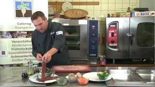 preview picture of video 'Kochshow GZZF - Hasenrücken im Speckmantel mit Kräuterseitlingen und Erdäpfelpflanzerl'