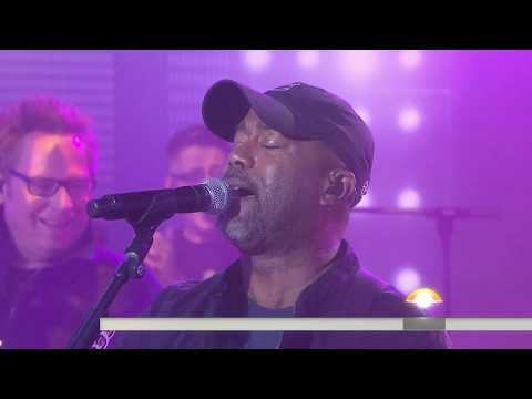 Hootie & the Blowfish perform 'Let Her Cry' live