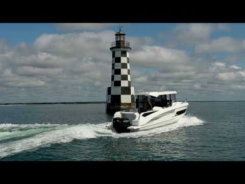 Beneteau Barracuda 9 video
