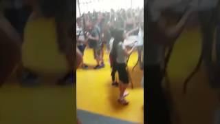 Video: Staking Voor Tropenrooster Bij Raayland College (22 Jun 2017)