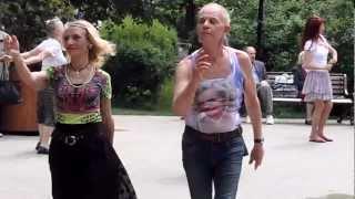 Шикарнейшая пара танцоров в Сокольниках