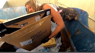 DUMPSTER DIVING- GET IT AND GO!