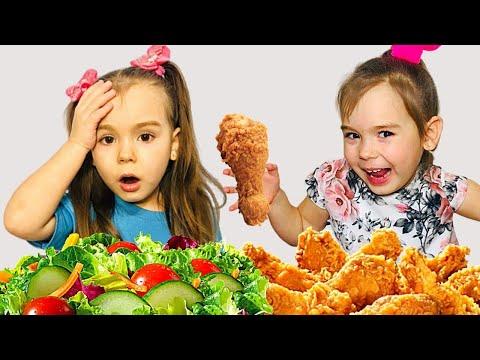София и Ева играют в школу и едят вредную еду | Pretend Play School & Eat not Healthy food