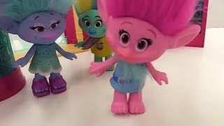 #РОЗОЧКА у Доктора Ой! Травма на 💃 Дискотеке! Видео игрушки из мультика #ТРОЛЛИ Игры больница