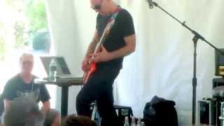 Joe performs Circles during his Master Class at the G4 Experience Aug 2014