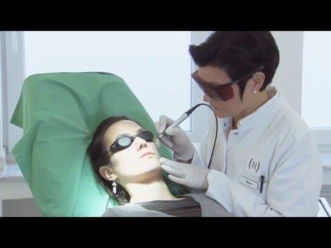 Die Maske für die Person für die gebräunte Haut otbeliwajuschtscheje