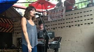 Dragonette - Right Woman (LIVE at SXSW)