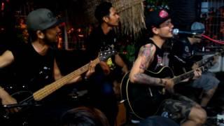Kekasih Tolol Akustik Superiots Live At Mojokerto