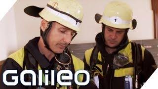 Der harte Job als Feuerwehrmann: Wie anstrengend ist es bei der Feuerwehr? | Galileo | ProSieben