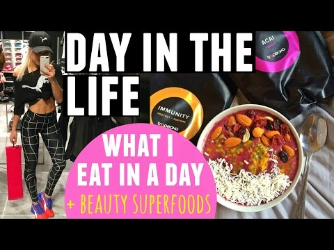 Day In the Life + Superfood Beauty Diet | What I Eat In A Day