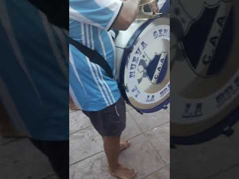 """""""Vamo Matade, ponga huevo no podes perder"""" Barra: La Brava • Club: Alvarado"""