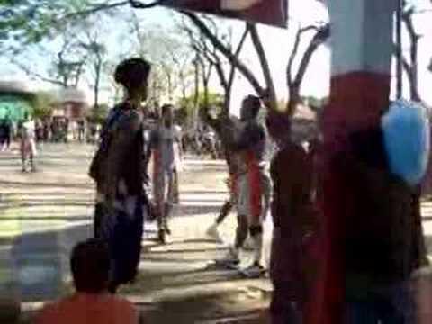 Tipitapa vs Tiburones - Baloncesto