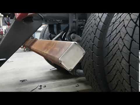Video bij:Opklapbare stootbalk voor asfaltkippers