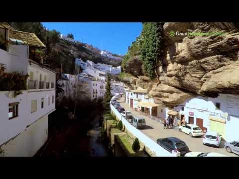 Neobični španski grad pod stijenom