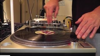 DJ'ing For Beginners - Basic Beat-Mixing, Using Vinyl Records On Turntables