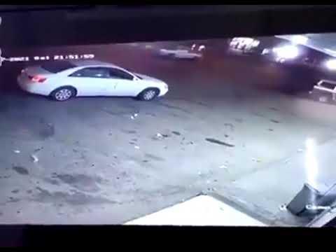 شاهد.. لحظة سرقة مركبة في