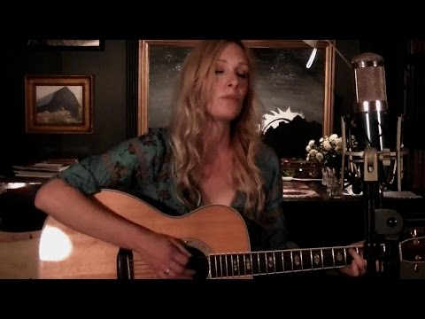 Midnight Train to Georgia acoustic cover Kappa Larson